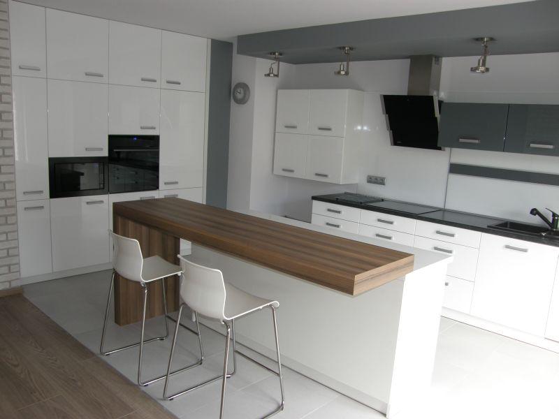 Otwarta kuchnia z salonem FILMAR meble