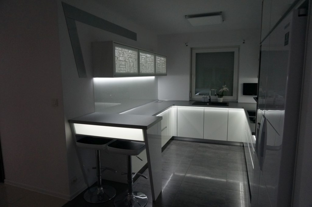 meble-kuchenne-z-swietleniem-ledowym-05